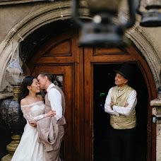 Wedding photographer Nazariy Karkhut (Karkhut). Photo of 25.06.2017
