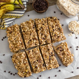 No-Bake Peanut Butter Banana Chocolate Chip Granola Bars