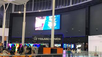 Exterior de los cines Yelmo Torrecárdenas en Almería.