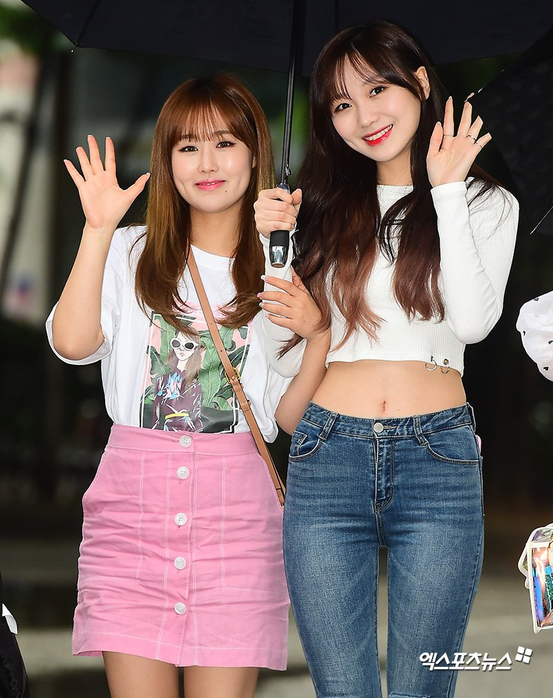 sujeong crop top 32
