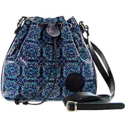 Liten säckväska rutig marinblå med blommigt foder