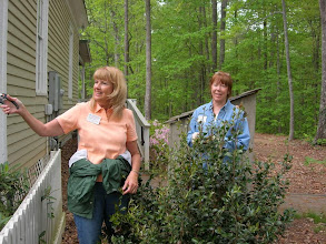 Photo: Anne Kennedy and Christine Hettinger Discuss a Pruning Task