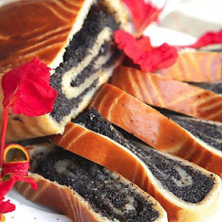 Curd Roll With Poppy Seeds