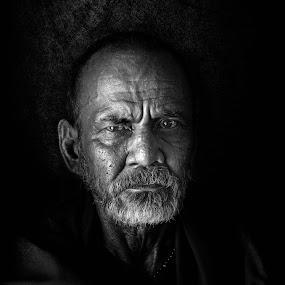 Eyes by Vijay Tripathi - Black & White Portraits & People ( potrait, black and white, eyes )