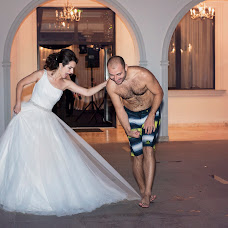 Wedding photographer Butnaru Maria (butnarumaria). Photo of 06.04.2015