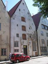 Photo: Mechant house with three upper storage areas (awaiiting restoration)