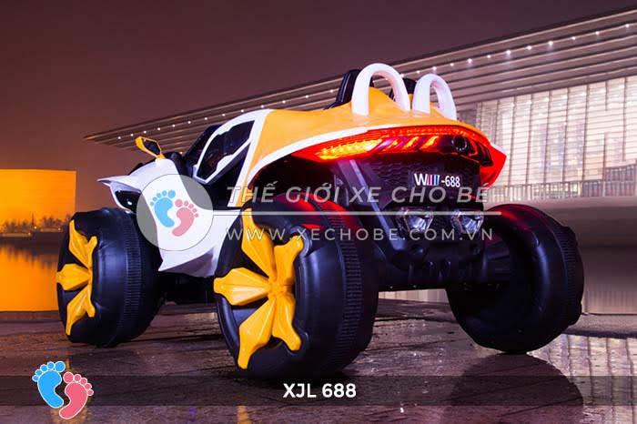 Xe ô tô điện địa hình cho bé XJL-688 8