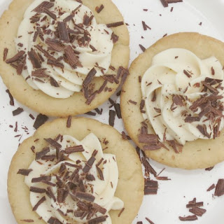 Cookie Cups With No Bake Cheesecake Filling