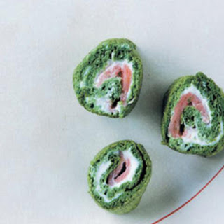 Spinach And Smoked Salmon Roulade