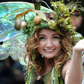 Twig the Fairy by Rob & Zet Sample - People Portraits of Women