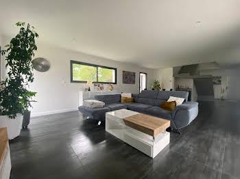 Maison 4 pièces 163 m2