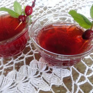 Frosty Cranberry Shrub