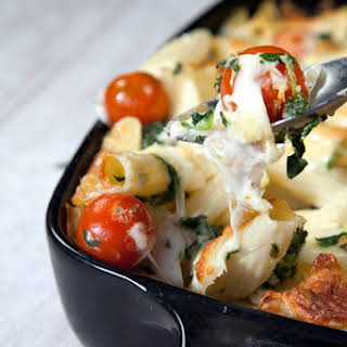 Cherry Tomato, Spinach And Garlic Mozzarella Pasta Bake.