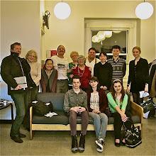 Photo: Paul, Bojxena, Maki, Nijl, Sonia, Melinda, Stuart, Lisa,... Ariana, Tanner, Jill, Josepha. (To be corrected).