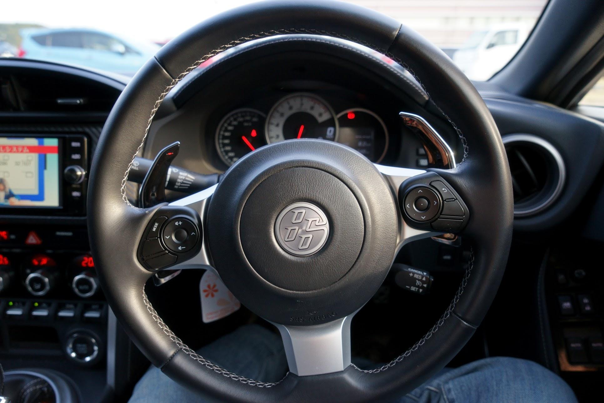 トヨタ86ハンドル
