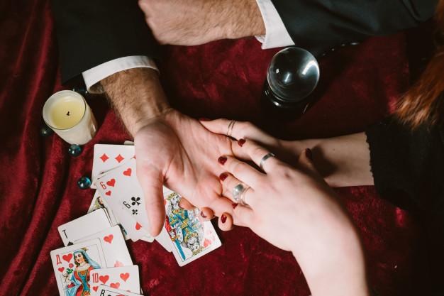 4 Amarres de Amor Efectivos y Fuertes recomendados por Manuela Prado