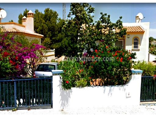 Villamartin Golf Detached Villa: Villamartin Golf Detached Villa for