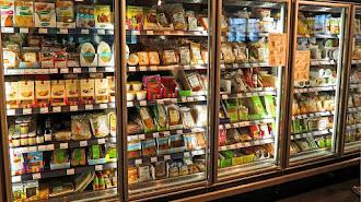 Cada vez más consumidores revisan el etiquetado para saber que están comiendo