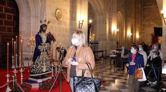 'Veneración' al Señor Cautivo de Medinaceli en tradicional Besapiés