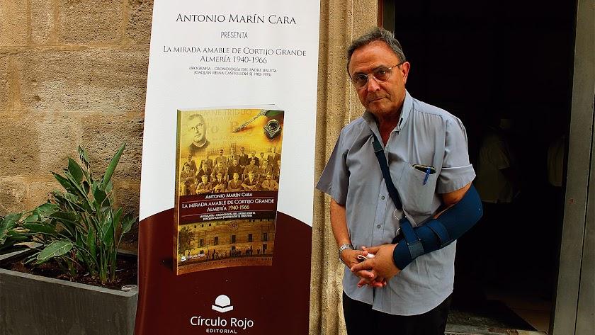 antonio marín  presentó esta  semana su libro 'La Mirada Amable del Cortijo Grande', en el Corazón de Jesús.