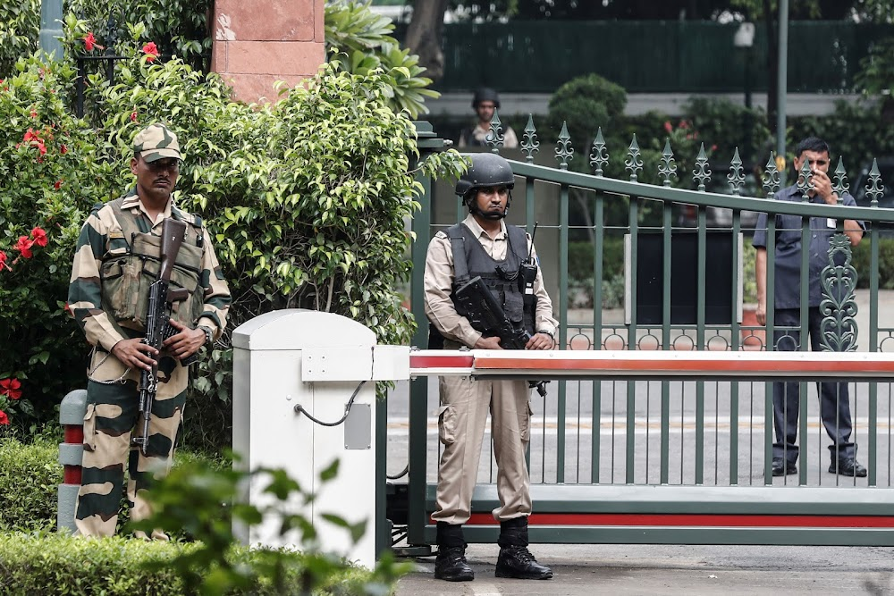 Lockdown in Indian Kashmir as thousands more troops sent