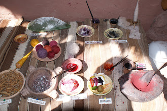 Photo: They use these natural ingredients to dye the wool.