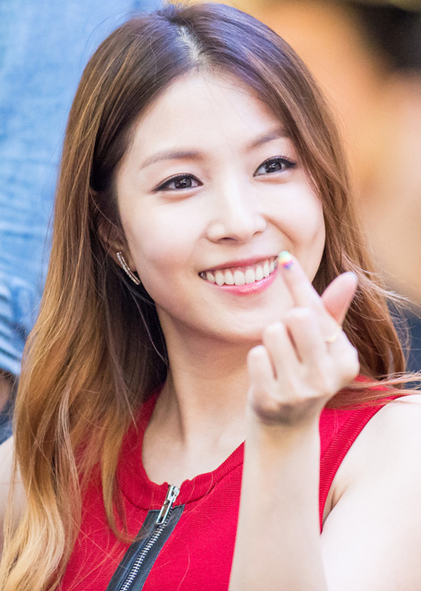 BoA_at_a_fansigning_event_on_May_24,_2015_(1)