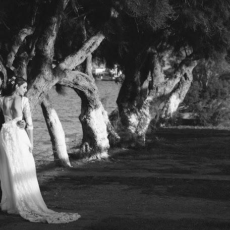 Wedding photographer Xrisovalantis Simeonidis (XrisovalantisSi). Photo of 25.10.2016