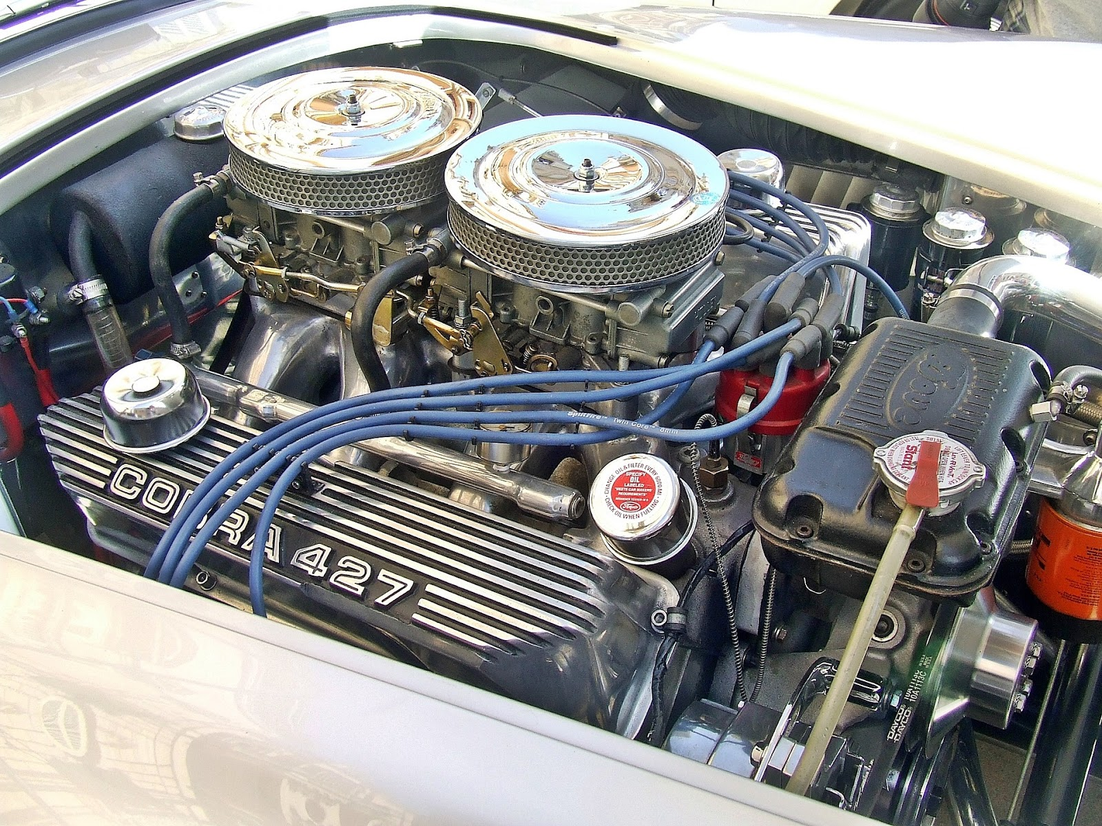 car-engine-1044236_1920.jpg