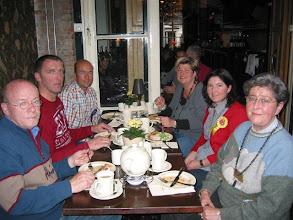 Photo: Goof, Hans, Peter, Cora, Silvy en Nel de With den Breejen. Mei 2010