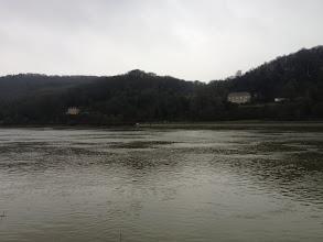 Photo: Vatteville-la-Rue - La Roquette et la Martinière vues du chemin de halage