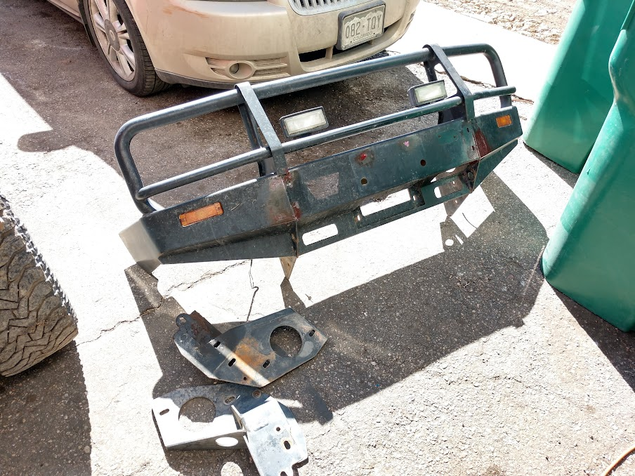 old beat up Isuzu Trooper finds a new purpose in life