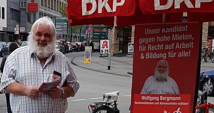Landtagswahl-Infostand mit dem DKP Mobil in Köln-Mülheim und dem Direktkandidat Wolfgang Bergmann.