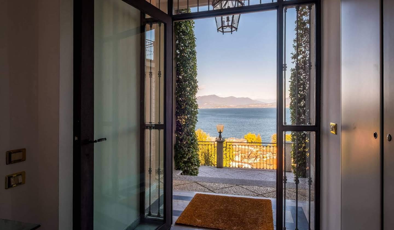 Villa avec jardin et terrasse Meina