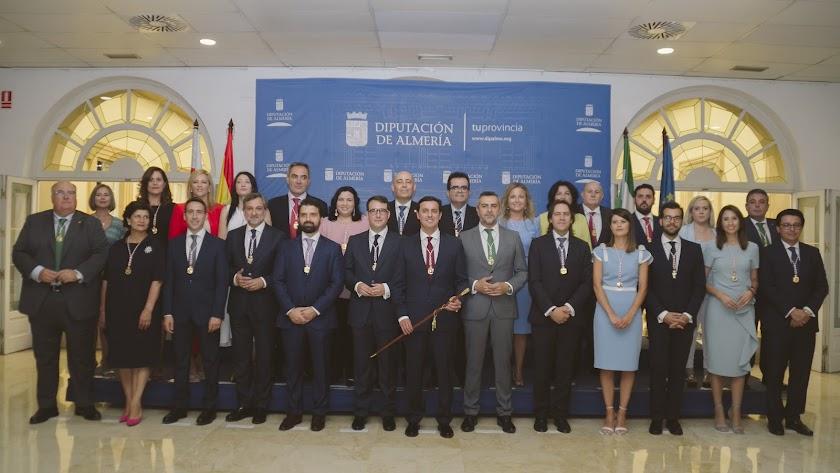 La corporación provincial al completo tras su constitución el 15 de julio de 2019.