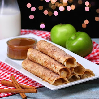 Apple Pie Taquitos Will Be Your New Go-To Dessert