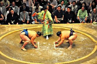 Photo: The opponents in Shikiri pose.
