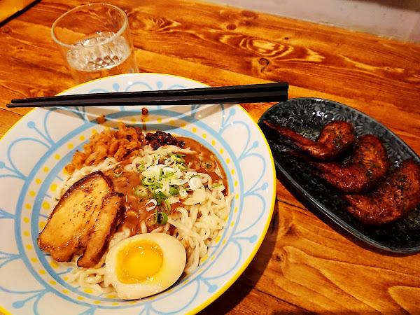 食三麵屋- 食三叉燒蔥油乾拉麵 復古台式風情混搭日式風味 @板橋府中
