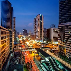 Rush hours by Waraphorn Aphai - City,  Street & Park  Skylines ( bangkok, rush hours, sky train, tower, traffic jam, twilight, sathorn road )