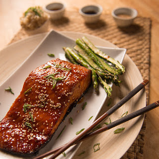 Sweet & Spicy Sriracha Salmon.