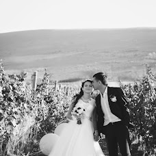 Wedding photographer Katya Venzeleva (Venzelevaart). Photo of 06.11.2015