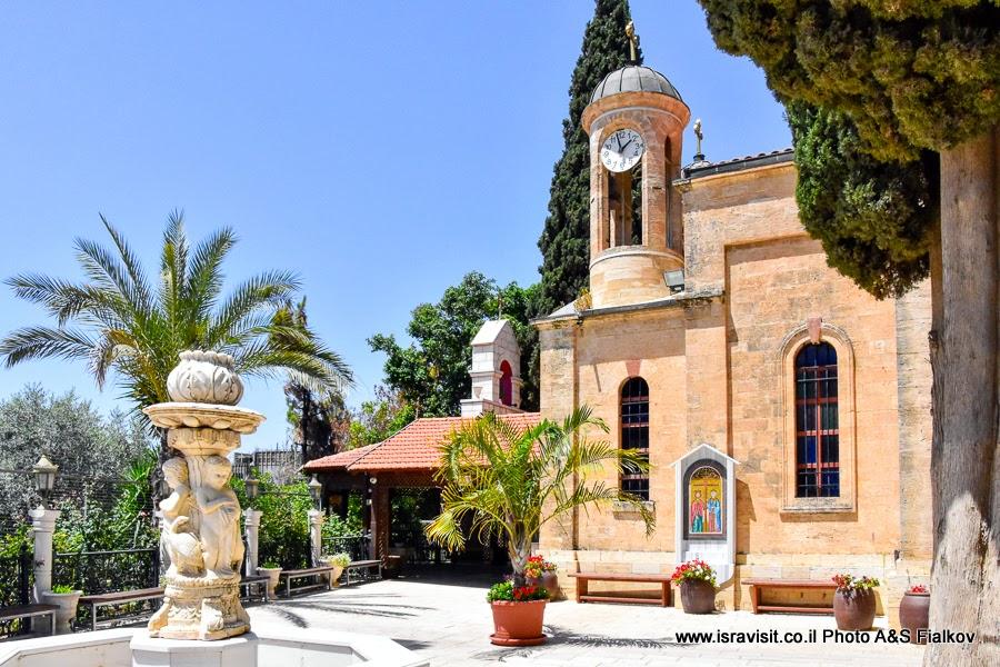 Кана Галилейская. Греческая православная церковь. Экскурсия по Святым местам Галилеи.
