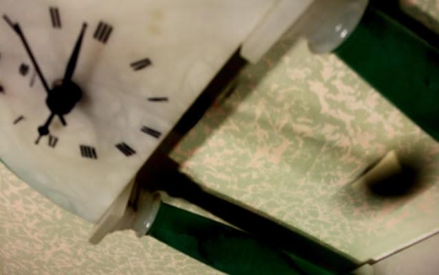 Tic tac tic tac. di ;Lau