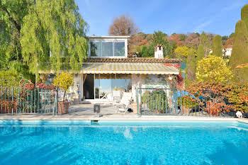 Villa 6 pièces 234 m2