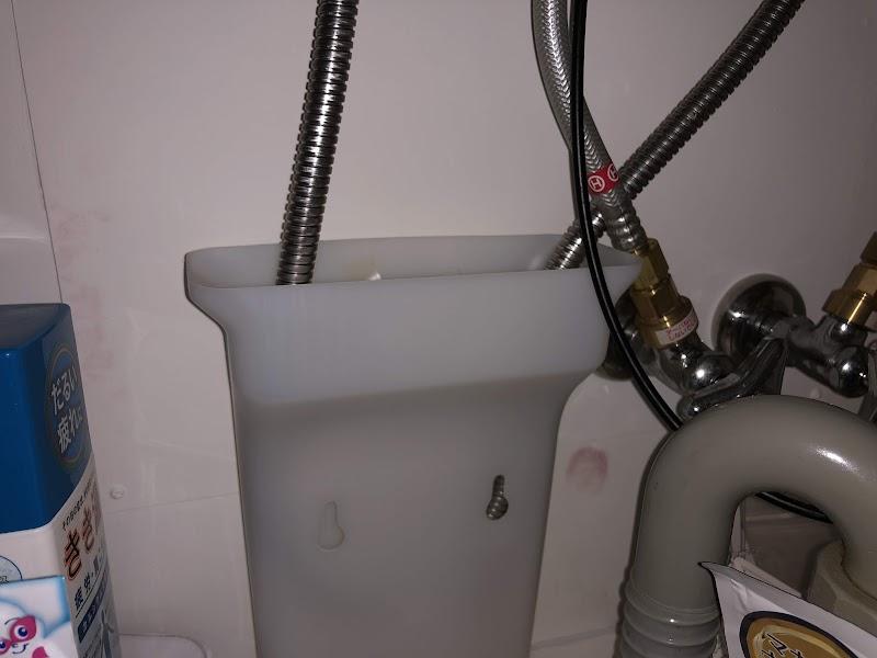 水栓ホース水漏れ用にせっちした水受容器