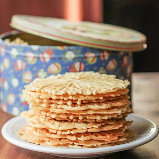 Pizzelles (Traditional Anise or Citrus Vanilla).