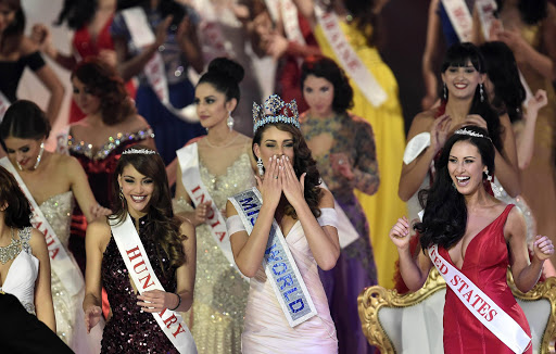 Rolene Strauss of South Africa (C) is crowned Miss World 2014.