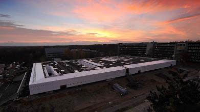 Photo: Die neue DLR-Forschungsanlage :envihab  Zur Anlage gehören unter anderem eine #Zentrifuge, ein #Schlaflabor, ein #MRT-Gerät sowie eine #Druckkammer.  Das Video zur Eröffnung der #Forschungsanlage :envihab gibt es hier: http://www.dlr.de/dlr/desktopdefault.aspx/tabid-10081/151_read-7517
