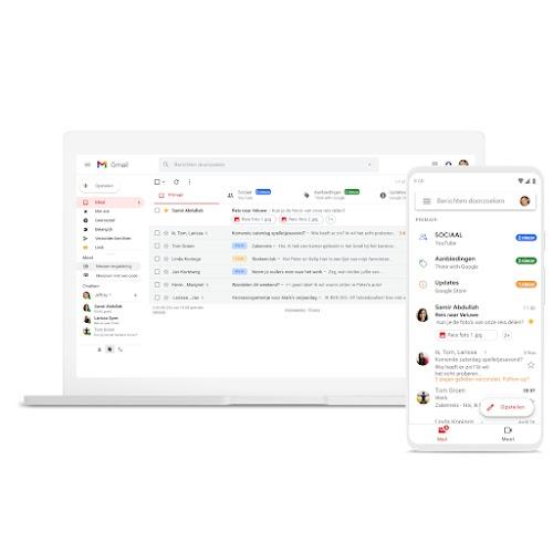 Een laptop en een telefoon met Gmail