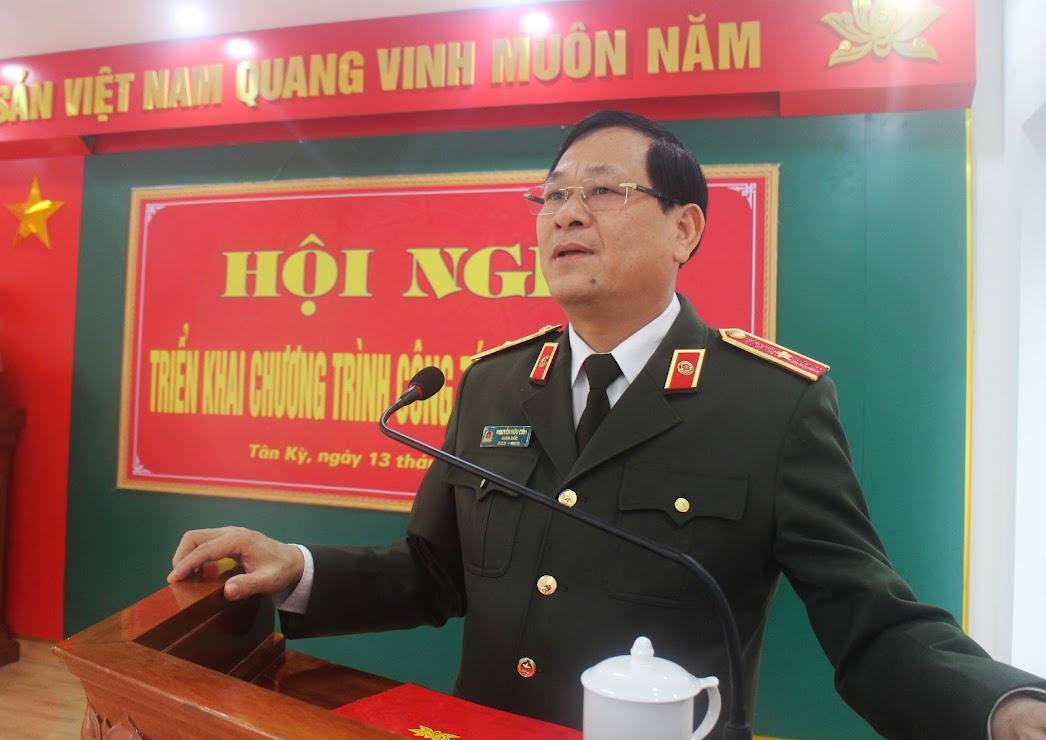 Đồng chí Thiếu tướng Nguyễn Hữu Cầu – Bí thư Đảng ủy, Giám đốc Công an tỉnh phát biểu chỉ đạo tại hội nghị